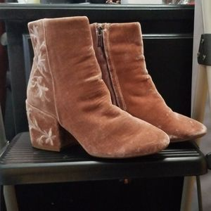 Kenneth cole pink velvet square heeled booties